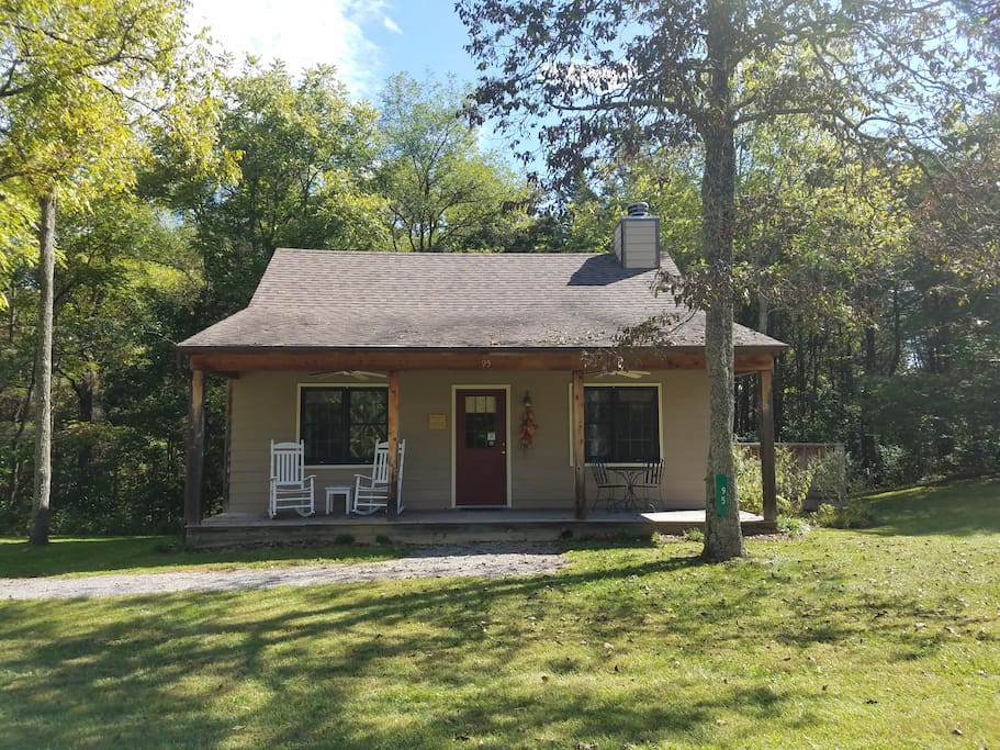 Twinleaf honeymoon cottage cabins for rent in lexington for Cabin rentals near lexington va