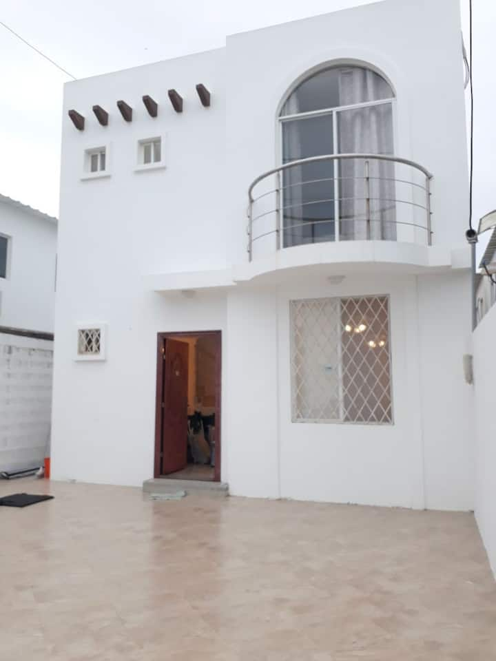 Hermosa Casa de Playa en Urbanización cerrada.
