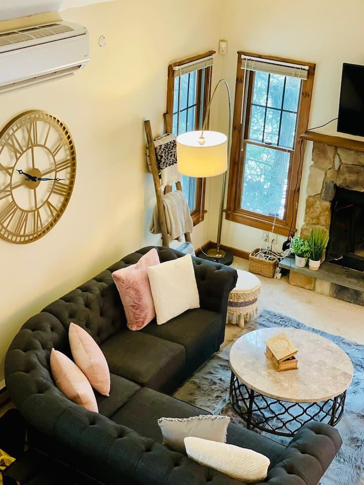 Cozy Newly Renovated Pocono Retreat