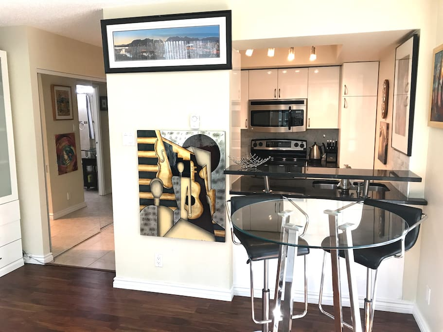 Studio Apartment in the Heart of the City! - Apartments ...