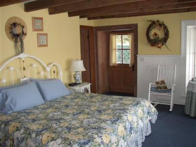 The Garden Room at Mayhurst Inn