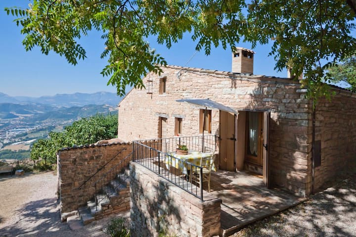 Quiet Holiday Home in Acqualagna with Swimming Pool