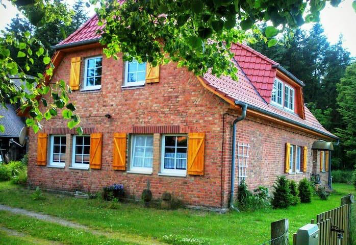 SINNreiches NaturErleben - Hohen Wangelin - House