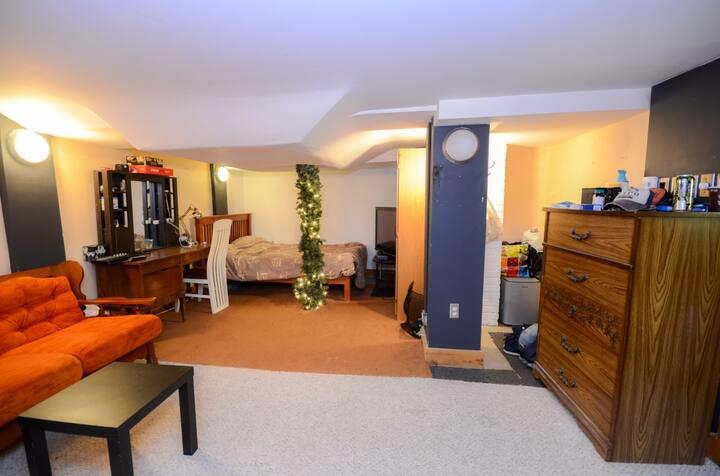 Tres grande chambre salonprivé  Private livingroom