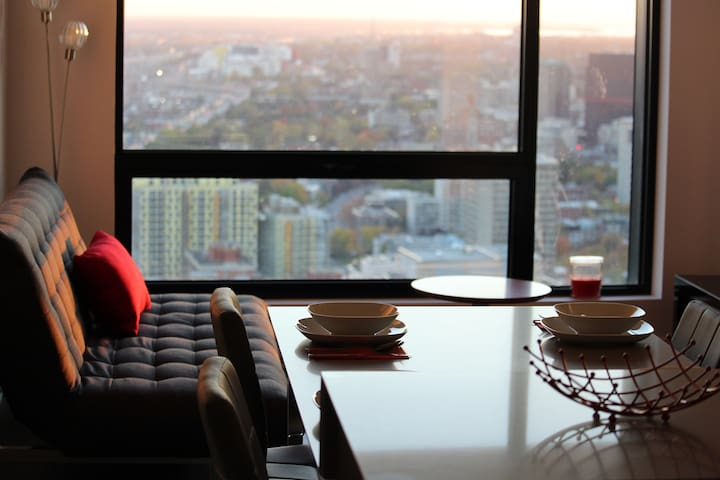 New Luxury Apartment Heart of Downtown Centre Bell - Montreal - Apto. en complejo residencial