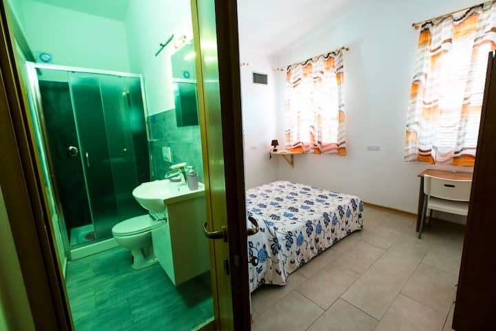 Villa Gabriella International B&B - Licorice Room