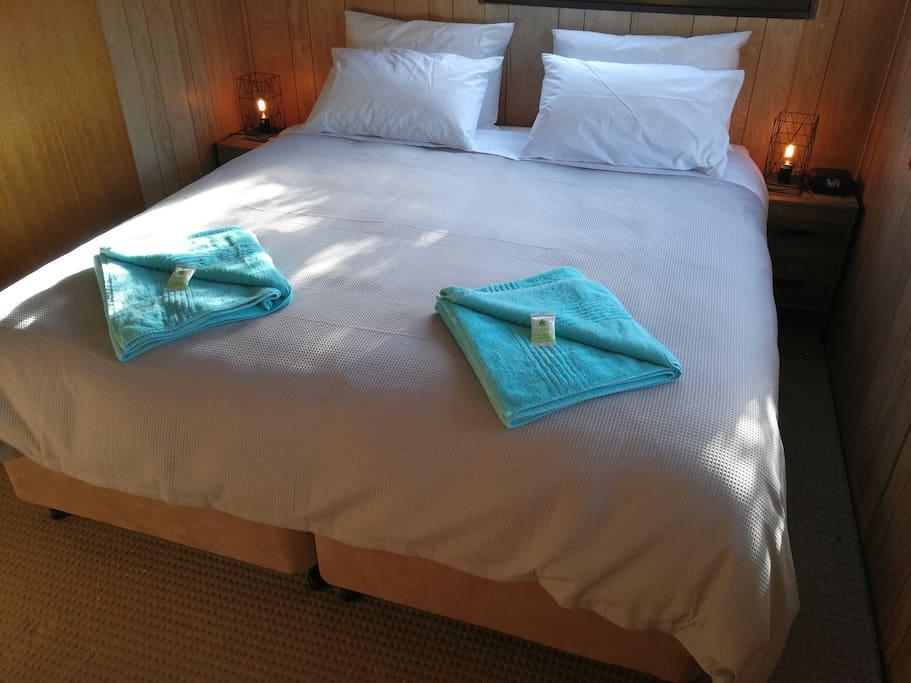 Westralia - King bed