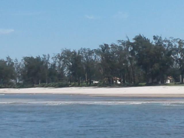 Praia Barra de guaratiba 2