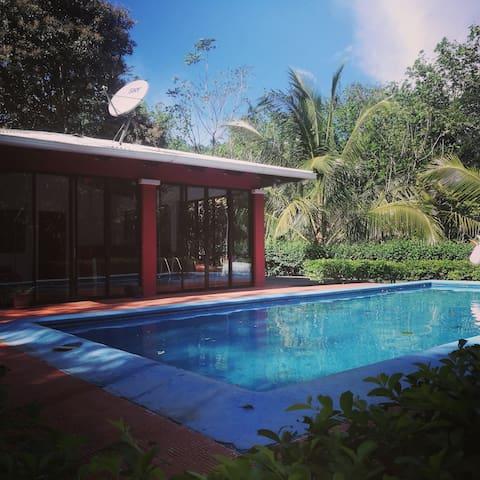 Studio, con Piscina, Atenas, Alajuela, Costa Rica
