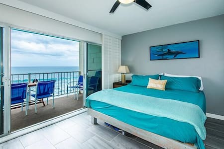 Makaha Ocean Lullaby - Direct Oceanfront Location!