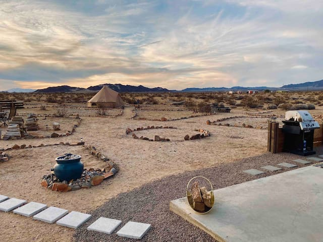 The Wonder Valley Yurts - Oasis