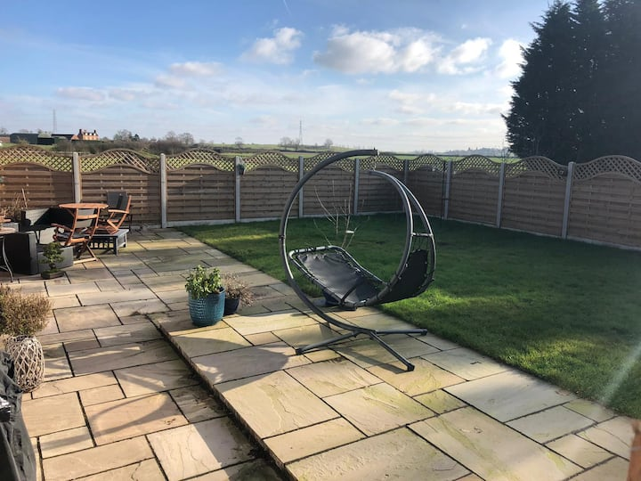 Spacious 2 bedroom bungalow in countryside