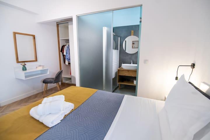Double bedroom with ensuite bathroom..