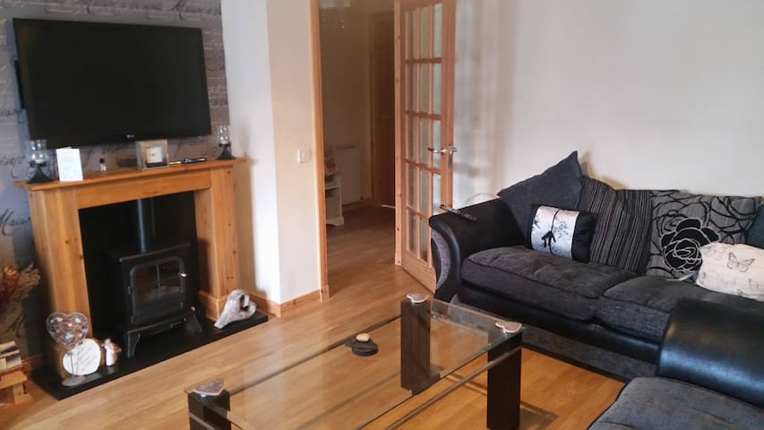 Modern 2 bedroom apartment close to town centre - Isle of Lewis - Lägenhet
