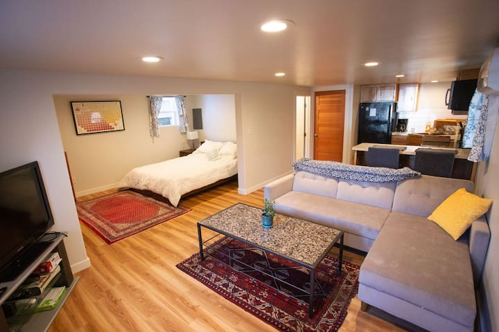 Cozy Studio Apartment in Central District