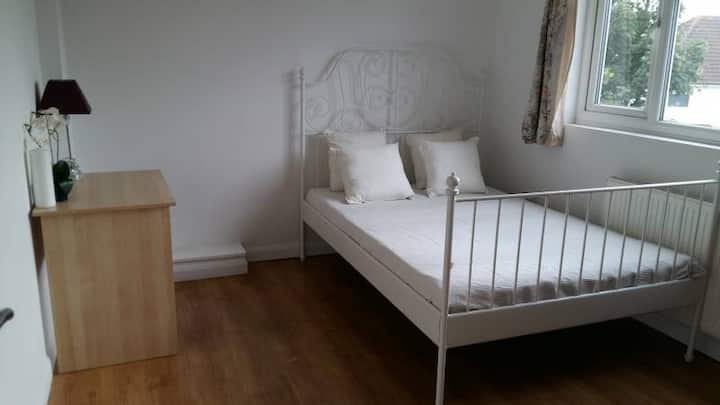 Specious Double room in south harrow