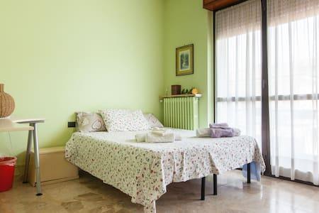 VILLA FIORITA-double room - Triginto - Villa
