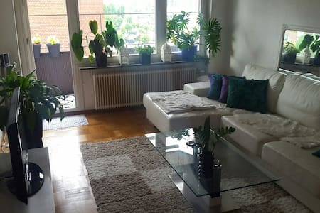 Cozy flat close to city and sea :) - Helsingborg