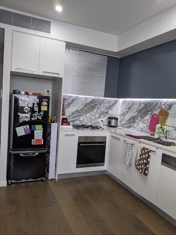 Beautiful 1 bedrooms apartment with great location
