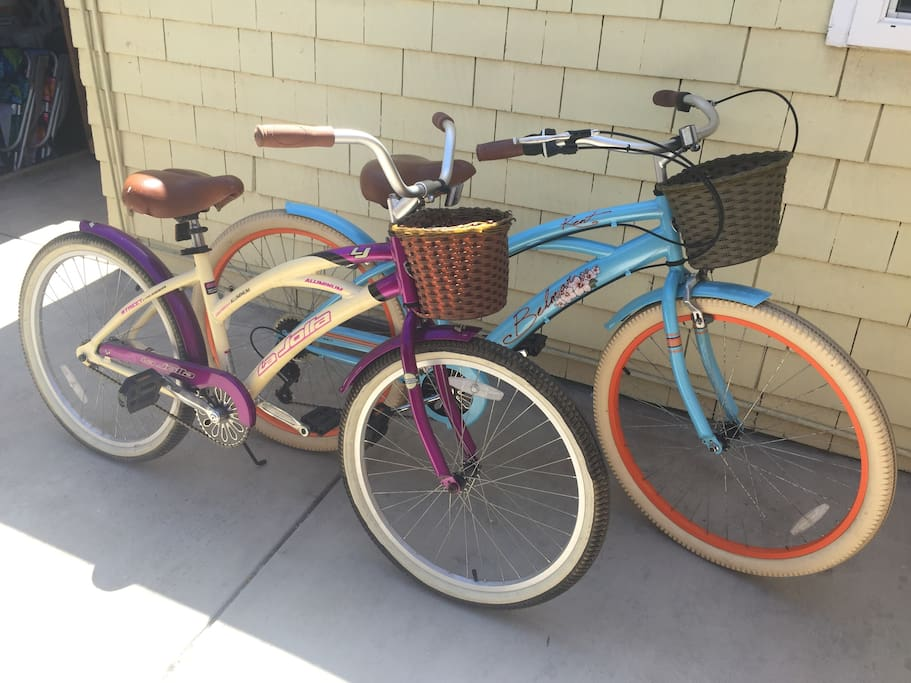 Two beach cruisers are provided for your use. Additional bikes, baby seats, and kids bikes are easily rented from a shop a couple blocks away.