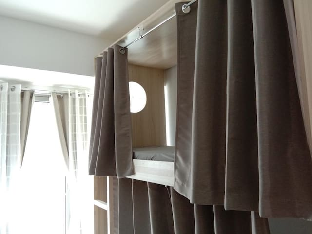 Fully furnished studio with bunkbeds capsule type