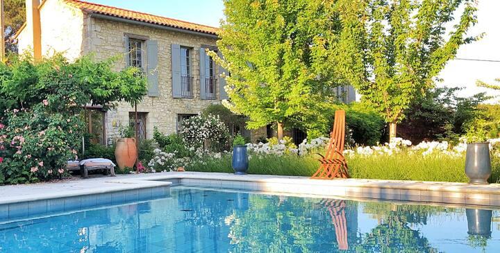 Propriété cadre exceptionnel piscine et 5 chambres