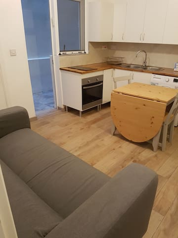 Ideally located two bed flat in town.