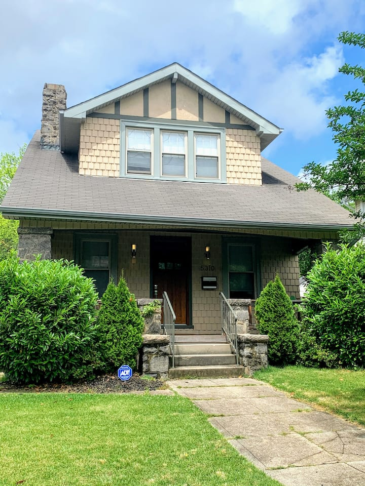 Renovated Craftsman Bungalow in NW w/Private Yard