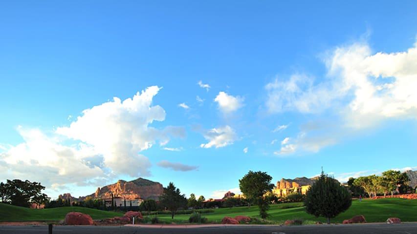 Ridge on Sedona Golf Resort- Studio sleeps 4
