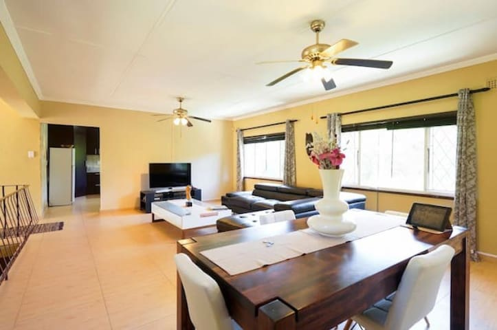 Modern 3 bedroom home with swimming pool