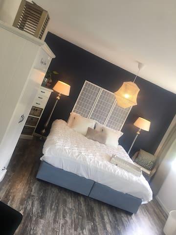 Casa Ibiza Own Bathroom - near Amsterdam & Haarlem