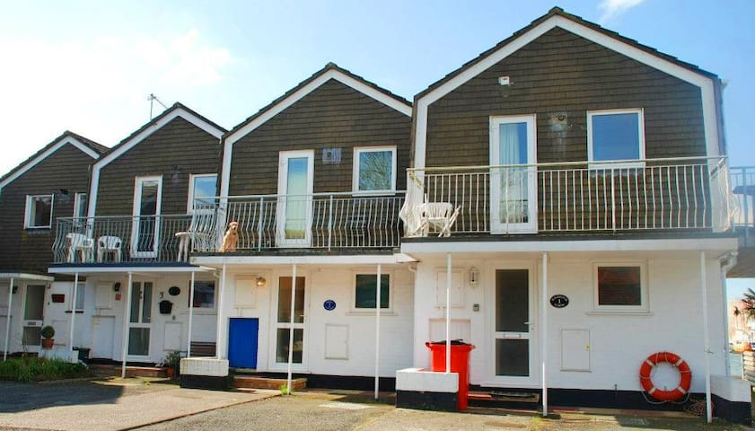 Aisla Cottage, East Cowes, IOW - East Cowes - Dom