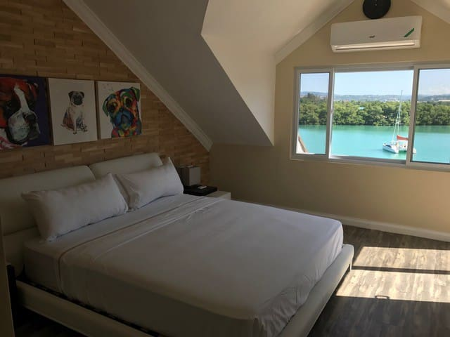 B Simple Elegant @ 303 - Montego Bay - Apartament