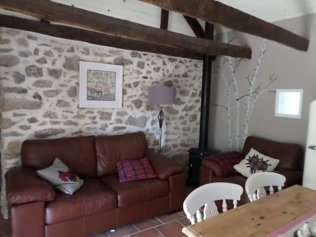 Beautiful cottage in the heart of rural France - La Porcherie - Casa