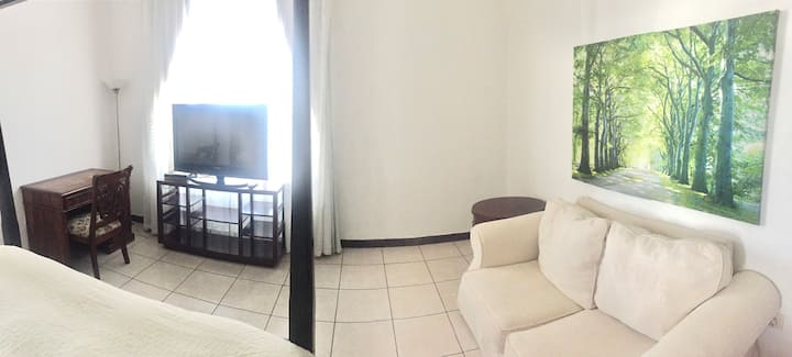 Top Location. Cozy room near DIFC and Dubai Mall