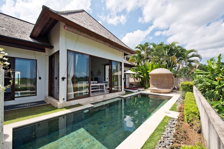 DeLuxe Private Villa + pool, 2BR