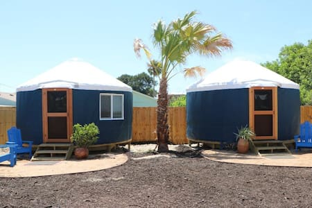 Camp Coyoacan Yurt #1 - Port Aransas - Jurta