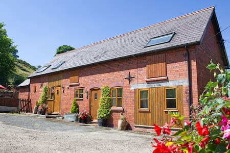1 bed Barn Cottage - Stunning Views