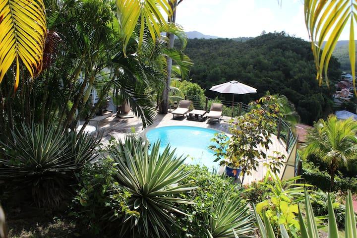 F2, avec magnifique vue mer et piscine privative - Les Trois-Îlets - Appartement