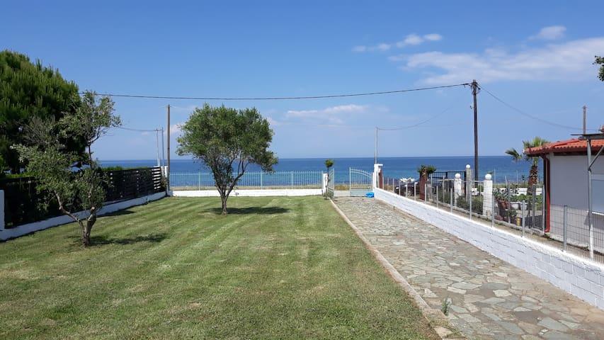 Βeach House in leptokarya ( Olympus Riviera )