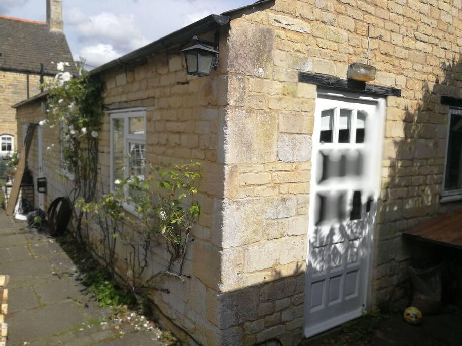 The Garden Suite Cottages For Rent In Little Casterton
