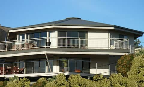 Cdeck Beach House  Apartment