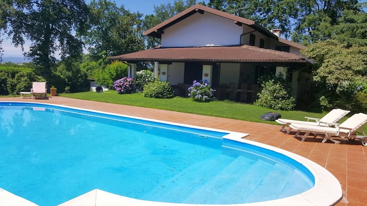 Lovely peaceful villa with private pool