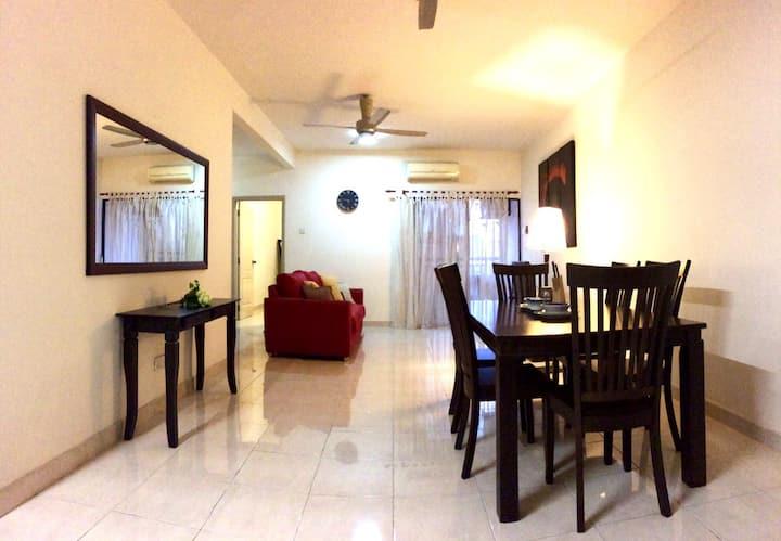 Cozy Private Room Near MRT