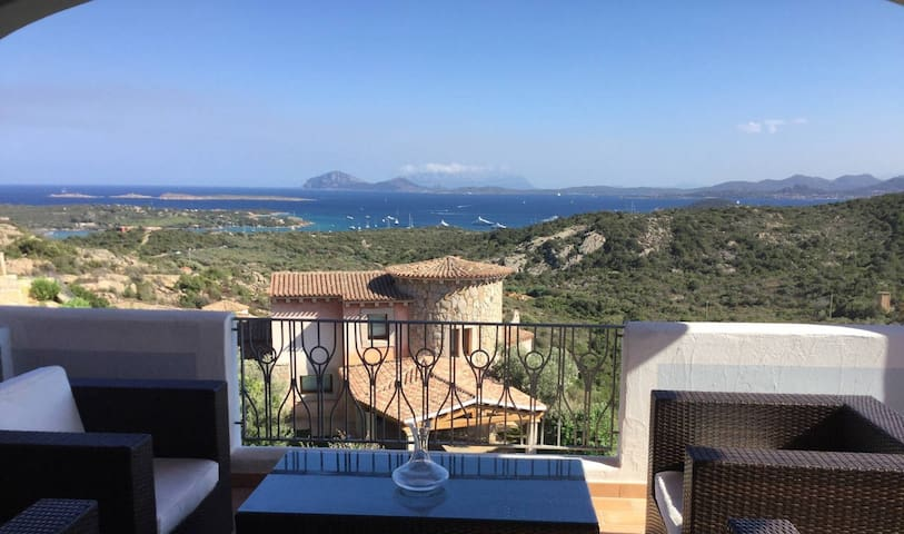 Costa Smeralda with amazing views - Abbiadori - Stadswoning