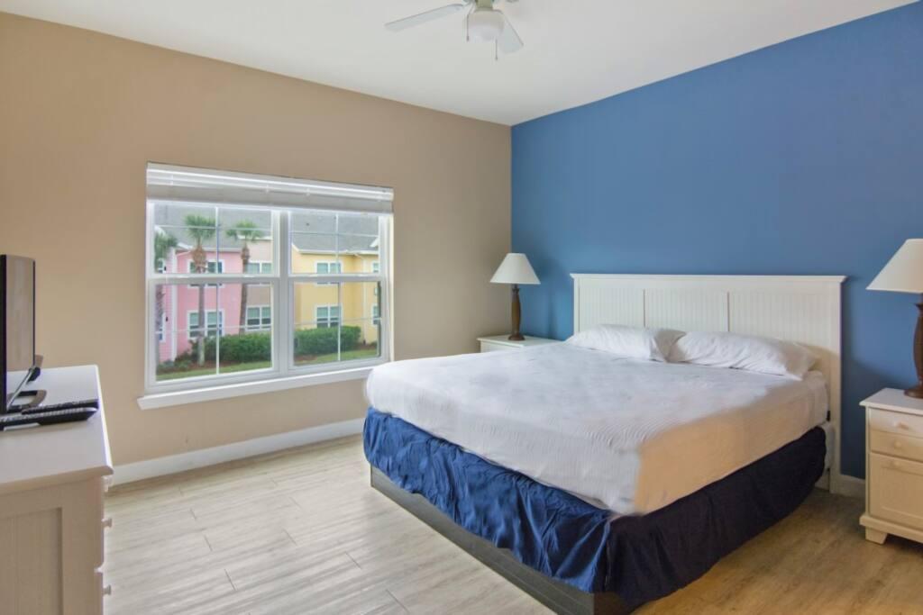 Bed, Bedroom, Furniture, Door, Sliding Door