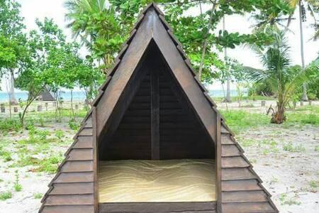 Kalanggaman Tipi House 1