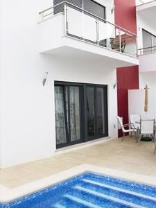 Villa contemporaine. - Salir do Porto