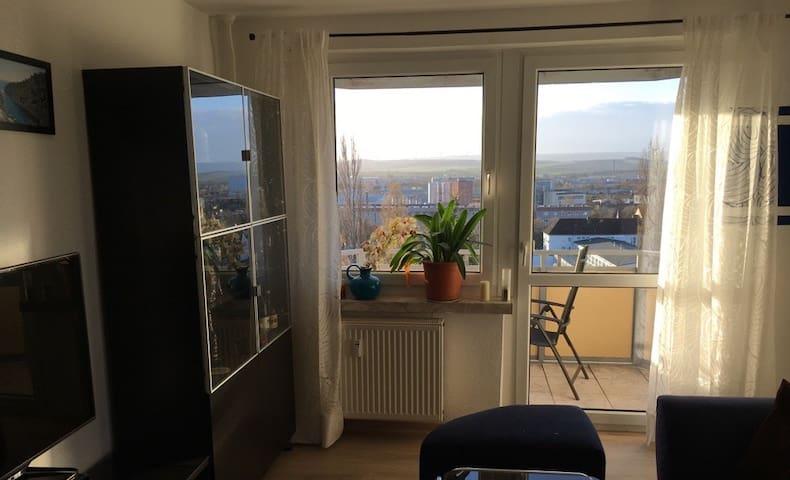 Komfortables Zimmer in Wohnung mit Panoramablick - Nordhausen - Departamento