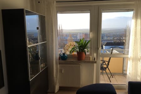 Komfortables Zimmer in Wohnung mit Panoramablick - Nordhausen - Wohnung